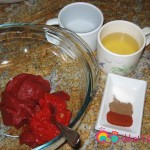 Prepare the sauce and the seasonings.